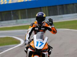 moto-carbons-image_04